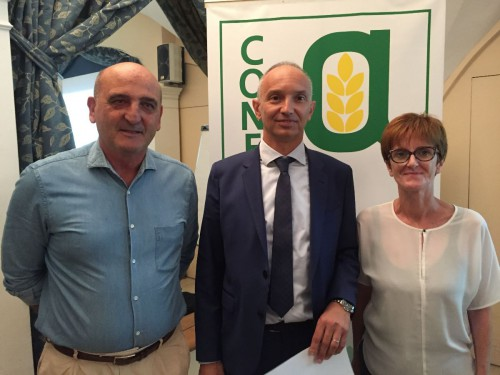 Da sinistra: Paolo Dentis, presidente di ConfagriTorino, Enrico Allasia presidente di ConfagriCuneo e neoeletto presidente regionale di Confagricoltura Piemonte e Paola Battioli, presidente di Confagri Novara.