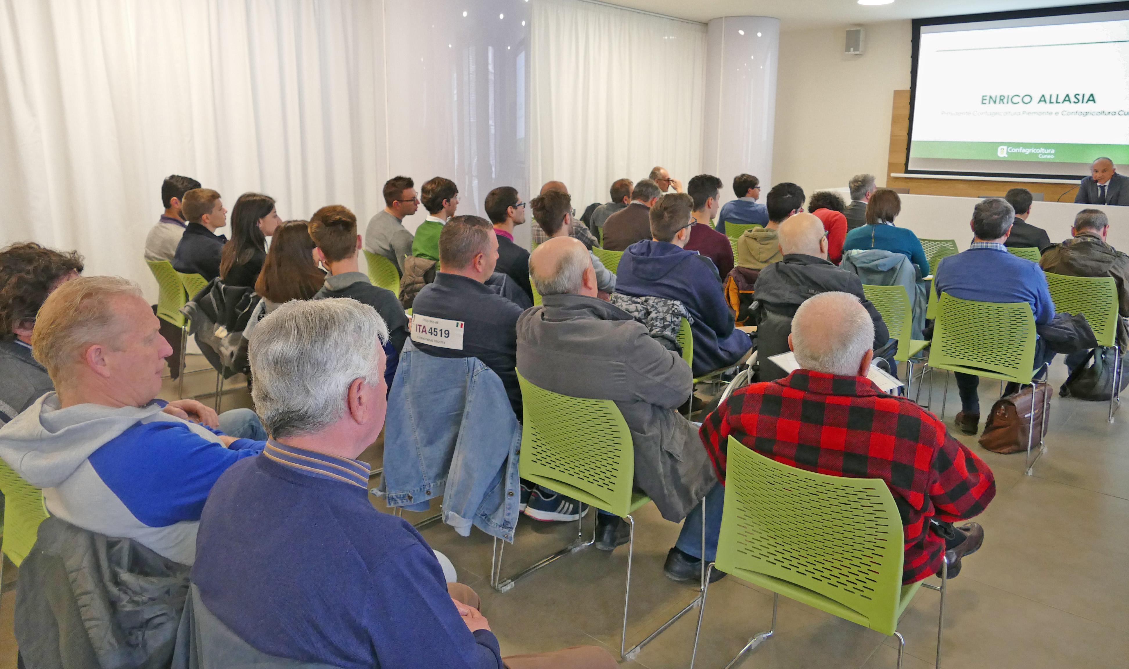 L'intervento di Enrico Allasia in apertura del seminario sul contenimento delle emissioni in zootecnia a Cuneo