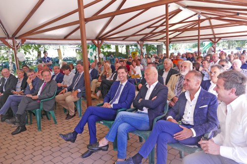 Il pubblico all'assemblea di Confagricoltura svoltasi ad Entracque