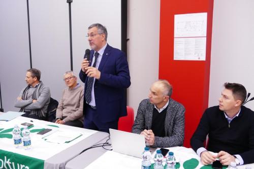 L'assessore regionale alla Sanità, Luigi Icardi, tra Mauro Negro e Bartolomeo Griglio, da un lato, Enrico Allasia e Paolo Demarchi, dall'altro