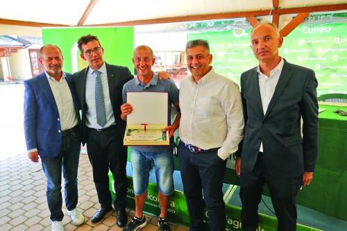 """Consegna premio """"Orgoglio agricolo"""" a Mauro Gallo"""